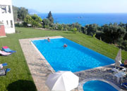 Holiday House with pool Adonis